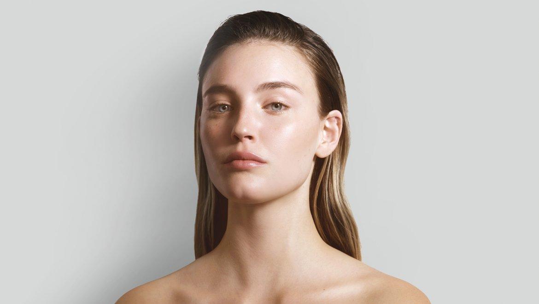 סקינימליזם: חוה זינגבוים מסבירה איך מטפלים נכון בעור הפנים